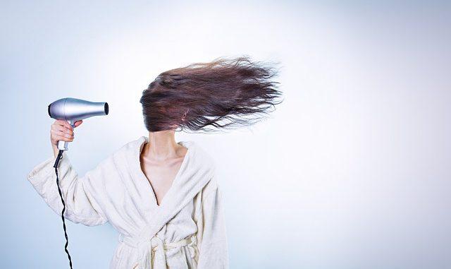 Jak si zesvětlit vlasy přírodní cestou?