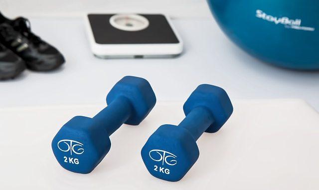 Jak cvičit kruhový trénink z pohodlí domova