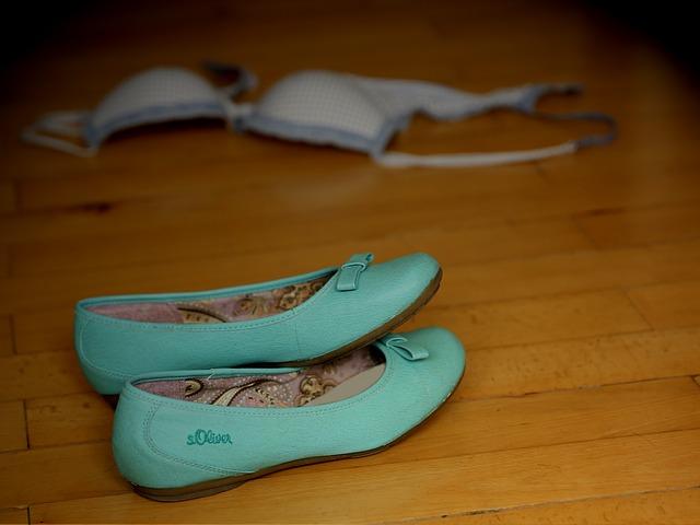 shoes-429944_640