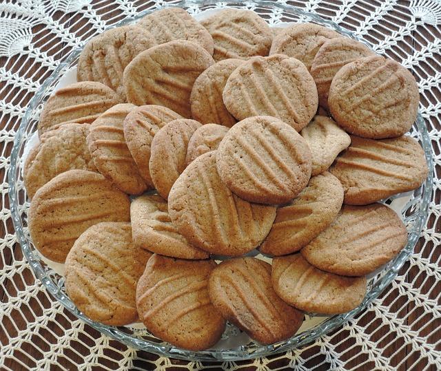 gingersnap-cookies-939752_640